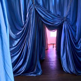Ulla von Brandenburg - Le millieu est bleu