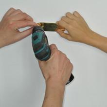 <p>Beim Aufbau der Ausstellung von Dasha Shishkin, Herbst 2012</p>