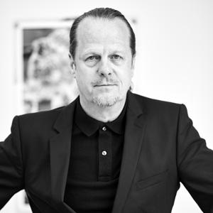 Dr. Dirk Dobke