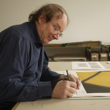 <p>David Tremlett signiert in der Seilerstraße</p>